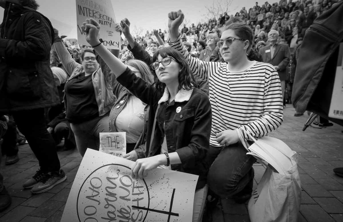 Cientificismo, Negacionismo e Democracia: Por que é precisoeducar